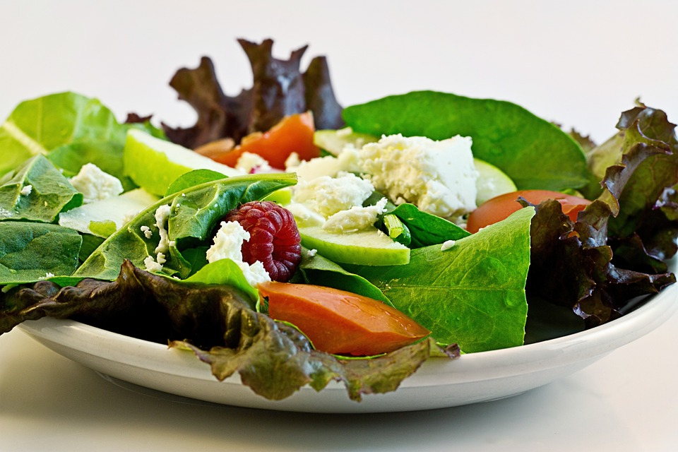 https://pixabay.com/en/salad-fresh-food-diet-health-374173/